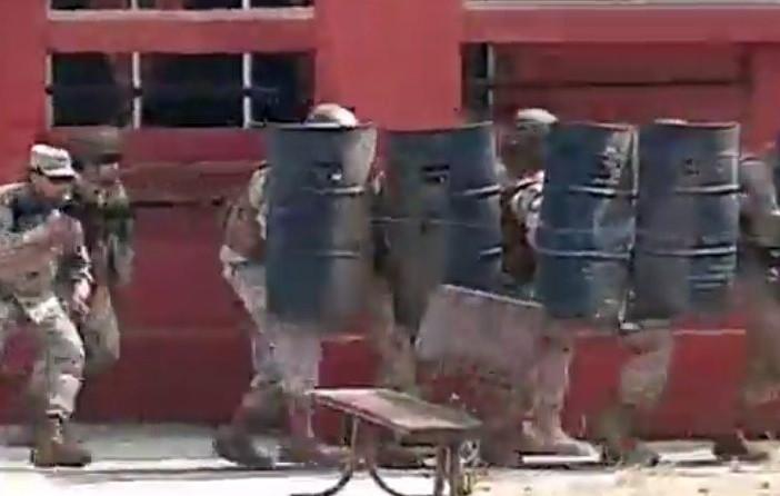Militares repelen ataque contra regimiento en San Fernando