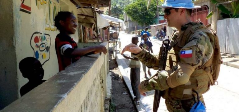 Ejército reconoce que ex suboficial embarazó a mujer haitiana durante misión de paz ONU