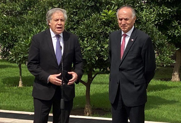 Secretario General de la OEA llega a La Moneda a respaldar la gestión de Piñera y asegurar el voto de Chile para su reelección