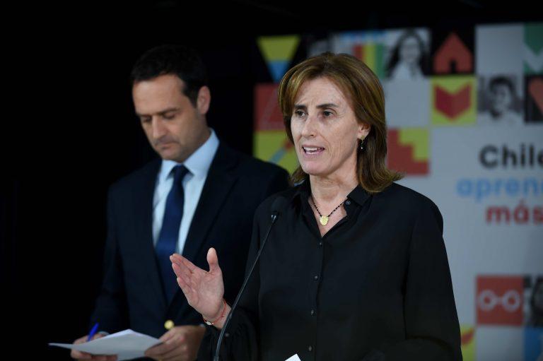 """Ministra de Educación anuncia que responsables de boicot a PSU deberán """"asumir responsabilidades penales y civiles"""""""