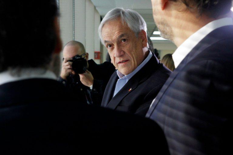Se va al suelo liderazgo Internacional de Piñera