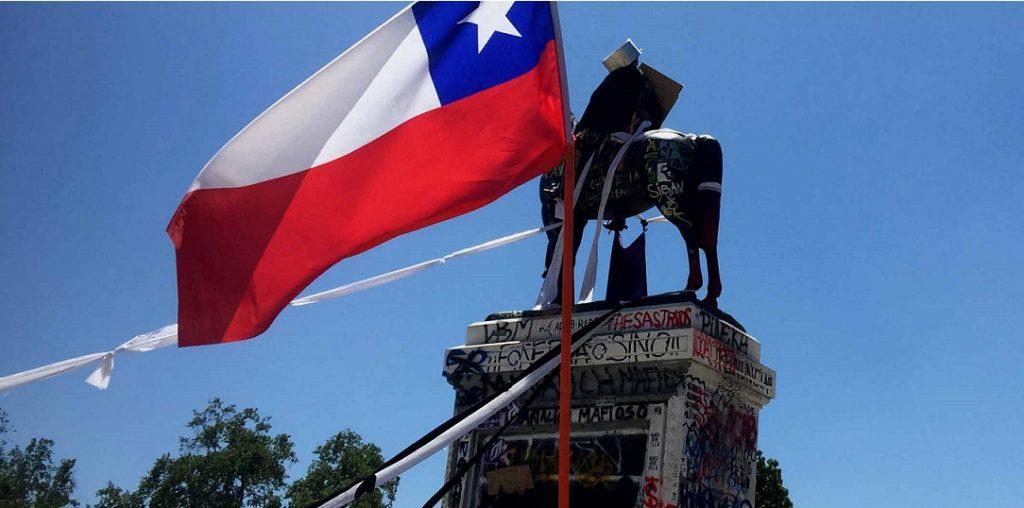 Consejo de Monumentos decide mantener estatua de Baquedano en destruida plaza epicentro de las protestas