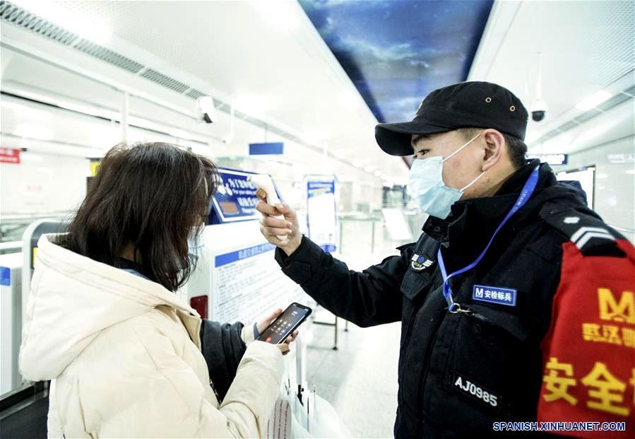 CORONAVIRUS se expande en China y cobra su primer muerto en Pekín