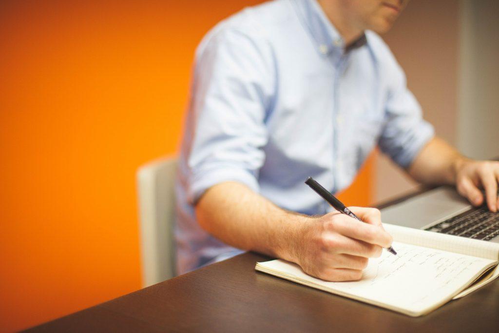 Si estás cesante te damos las claves para una entrevista de trabajo exitosa