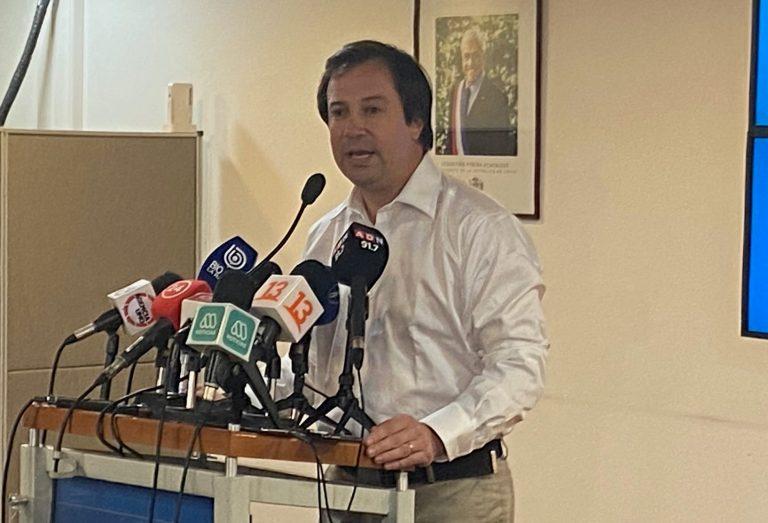 """Ministro Palacios se enfrenta a JVR por apoyo a Hasbún: """"Es un error"""""""