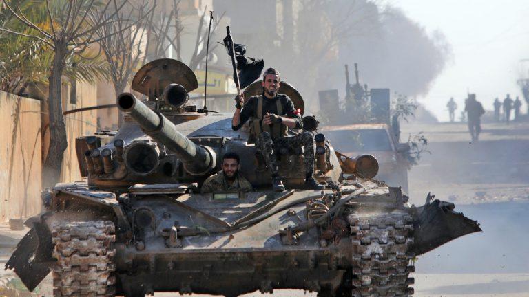 Arde crisis siria: 33 soldados turcos mueren en ataque aéreo