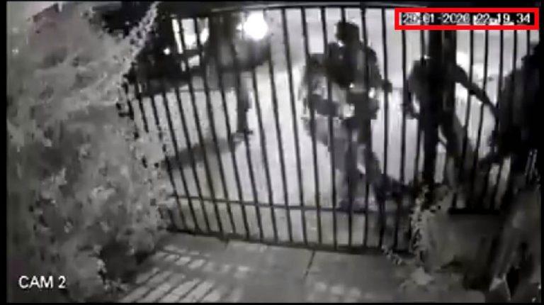 """Carabineros califica como """"inaceptable"""" brutal golpiza a joven en Puente Alto por parte de un grupo de policías denunciada en RRSS"""
