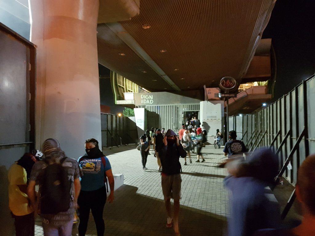 Pdte. Piñera condena ataque incendiario a estación de Metro Los Quillayes