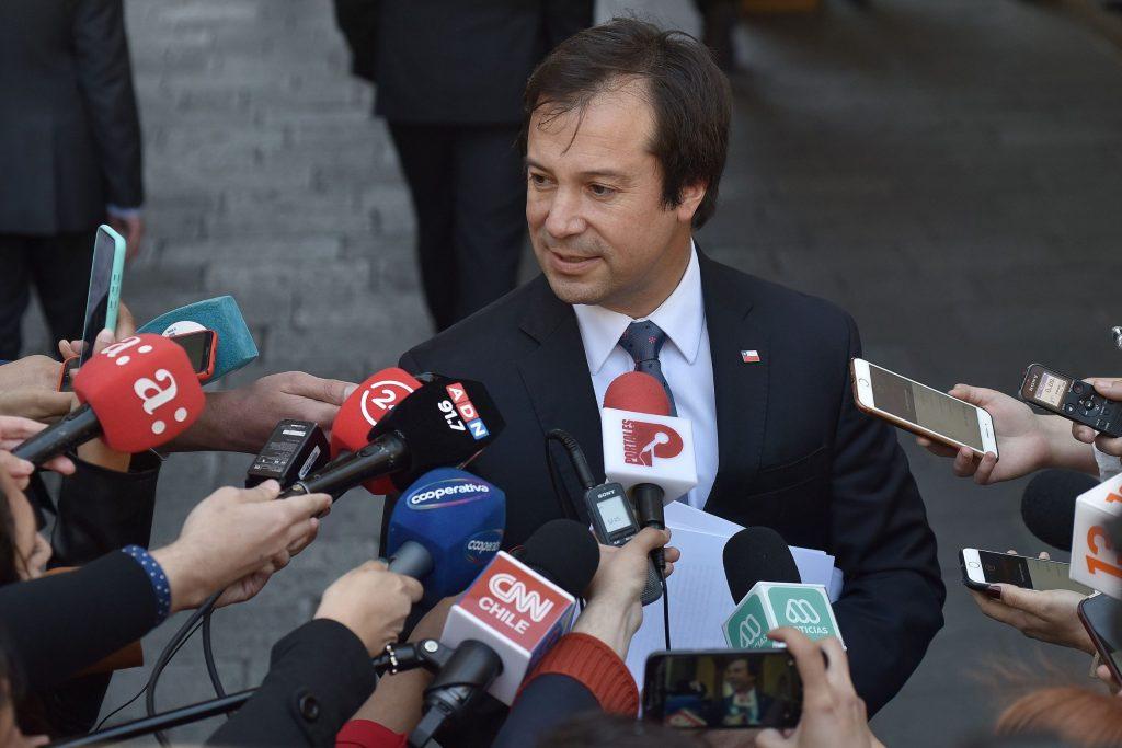 Gobierno vuelve a blindar a ministro Palacios por el Hasbúngate