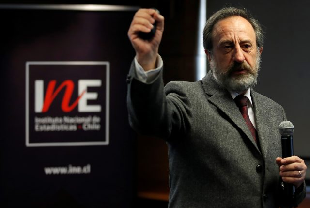 """Ministro de Economía y salida de director del INE: """"Hemos tomado el toro por las astas"""""""