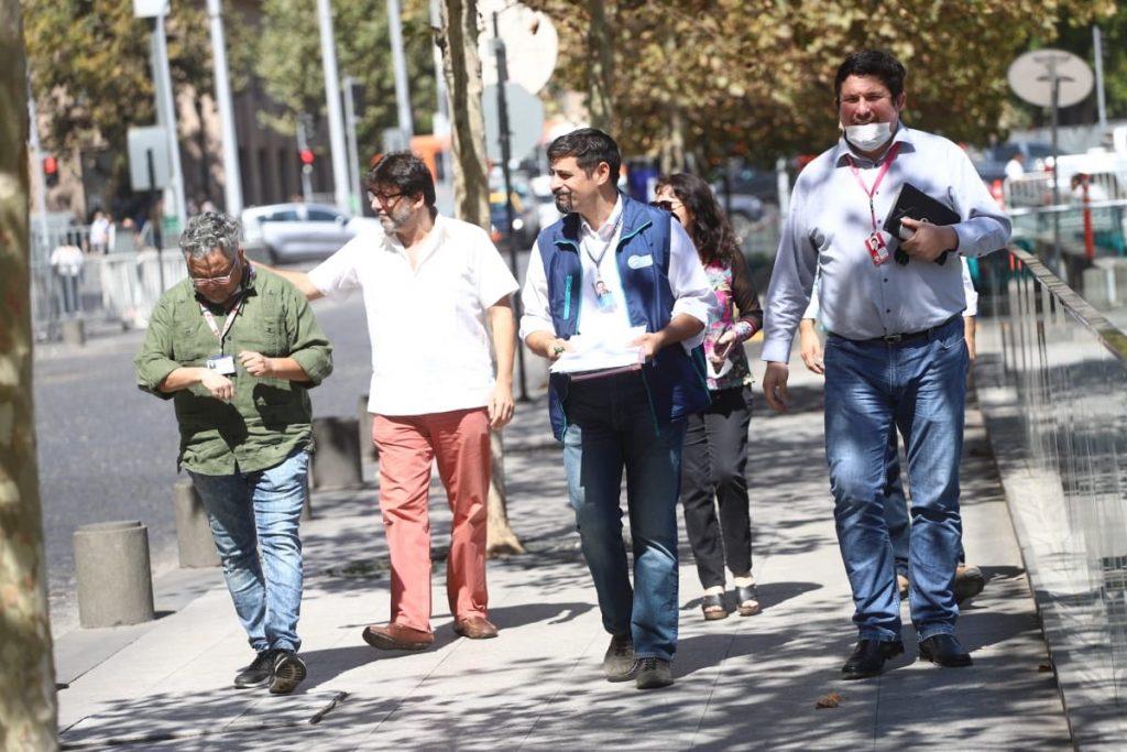 Alcaldes piden al Gobierno extender cuarentena a toda la Región Metropolitana