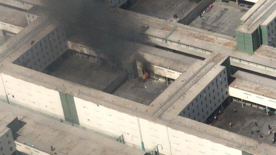 Gendarmería confirma intento de fuga masivo en penal Santiago 1