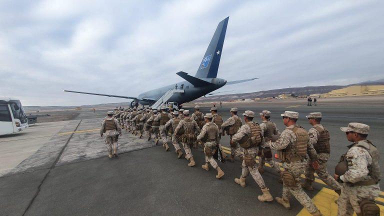 Ejército traslada efectivos desde Antofagasta a Santiago para apoyar labores de control por coronavirus