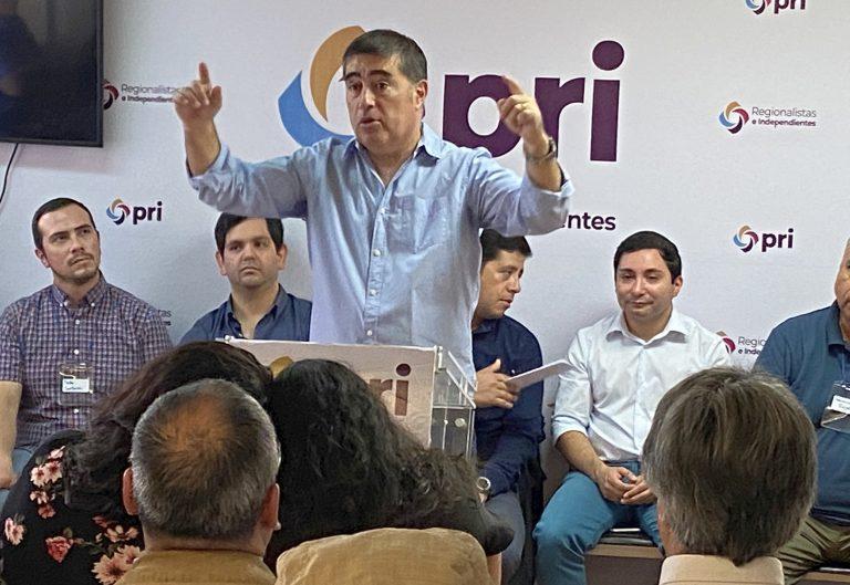 """Mario Desbordes: """"Gracias al Presidente Piñera, tenemos una coalición funcionando"""""""