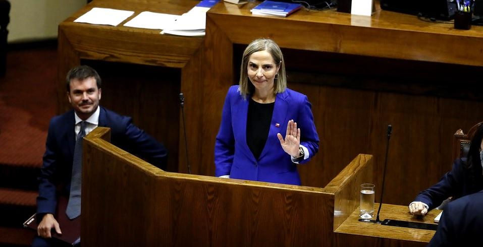 """""""¿Cómo tengo los pies en La Moneda, firmes o no?"""" dijo la ministra Plá el lunes…Pero no, los tenía en arenas movedizas: Renunció"""