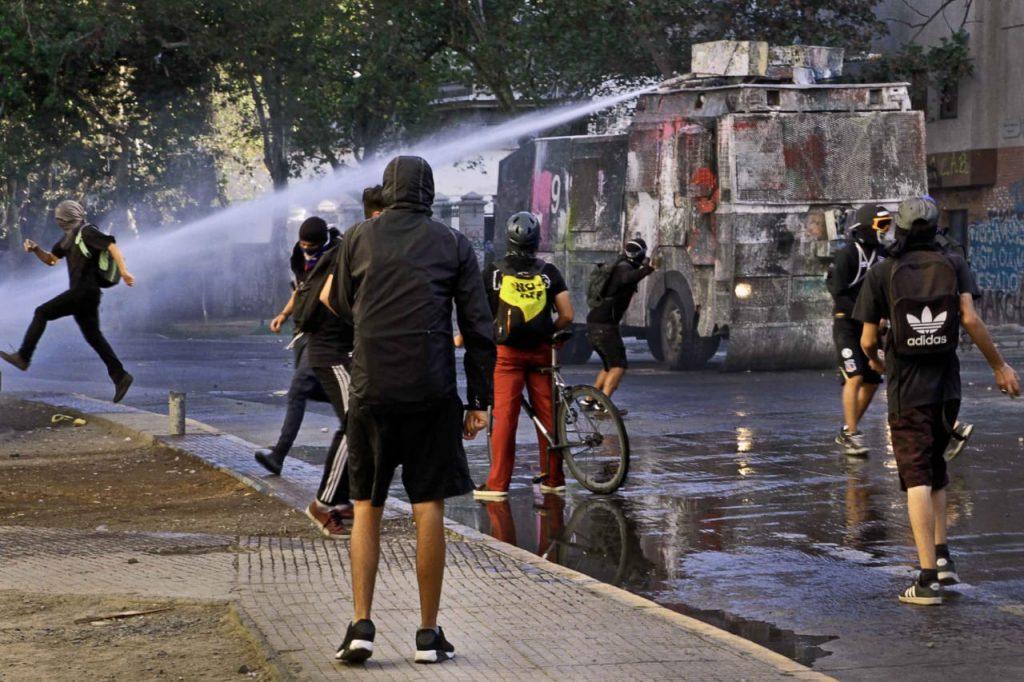 Cadem: Sube apoyo a continuidad de protestas y llega al 66%
