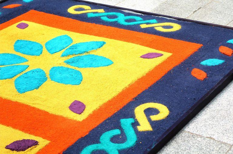 La tradición de coloridas alfombras de Guatemala llega a Centro Cultural La Moneda