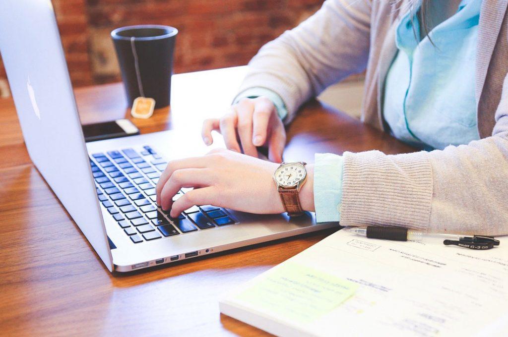 Coronavirus consolida opción del Home Office con softwares y herramientas que permiten su implementación