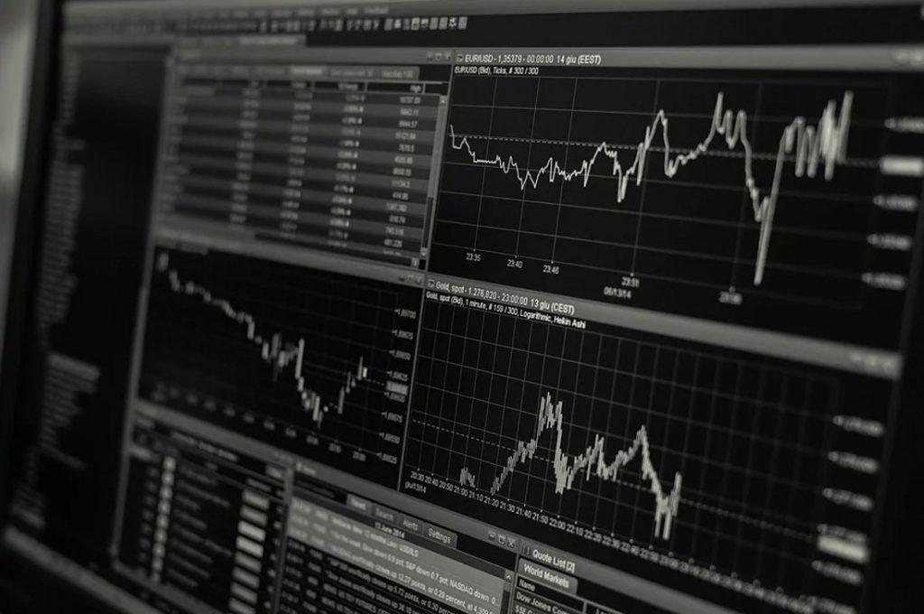 Pandemia pone en alerta economía chilena: experto prevé 0,5% de crecimiento y déficit de un 60% de caja para este 2020