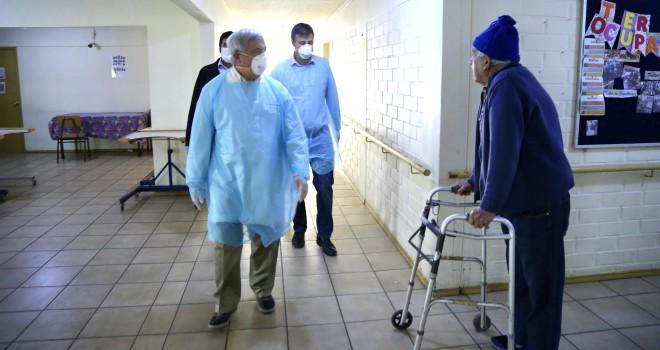 Crisis en hogar de ancianos de Puente Alto: un fallecido y 4 contagiados de CORONAVIRUS
