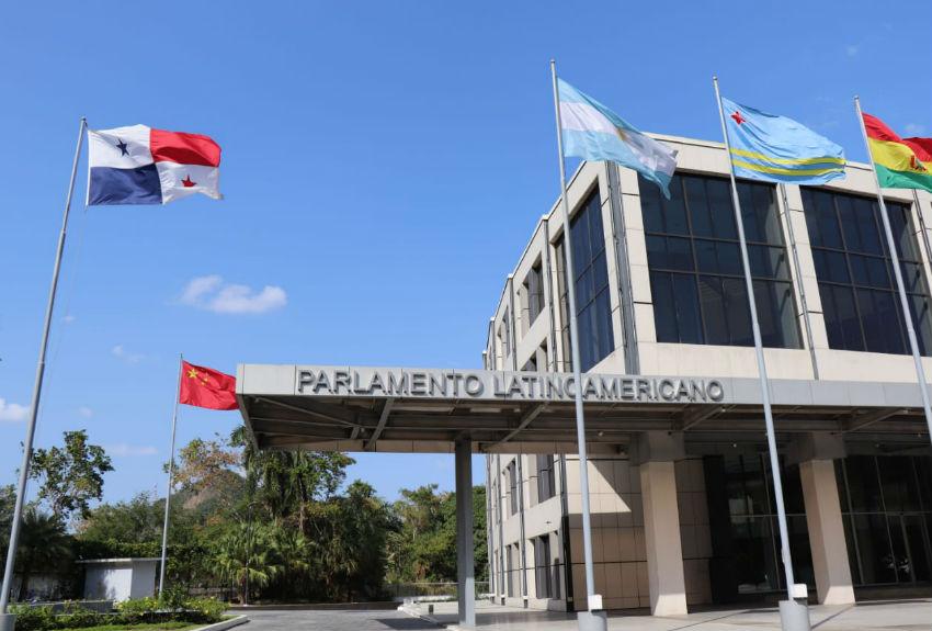 Parlatino pide la suspensión de la deuda externa por crisis de CORONAVIRUS