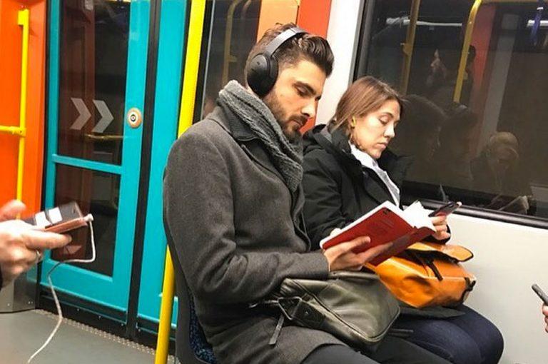 La ciencia dice que leer hace más atractivos a los hombres