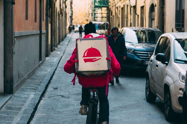 Empresa de delivery apoyará con comida gratis a 500.000 profesionales de la salud