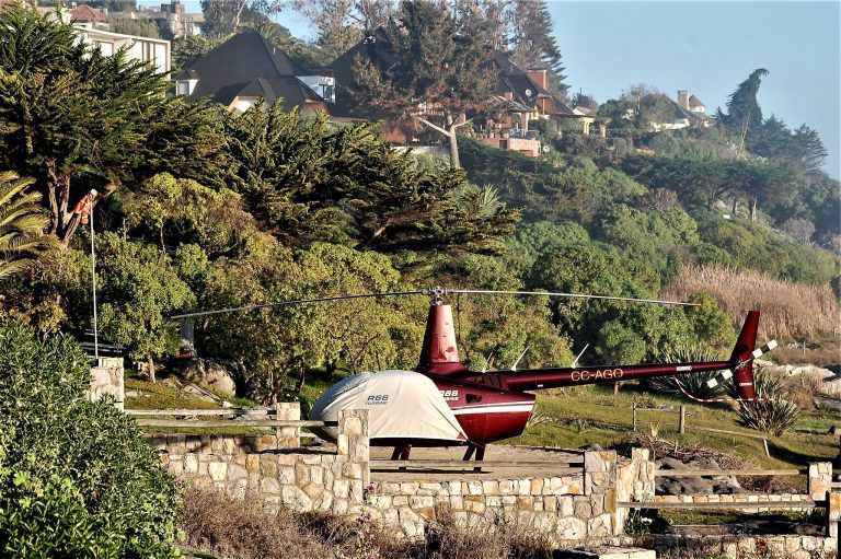 Gobierno presenta denuncia contra viajeros vip que evadieron cordón sanitario en helicópteros