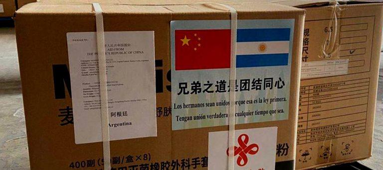 Mientras en Chile un ministro dice que pautea al embajador chino: Argentina recibe primeras 13 toneladas de ayuda para combatir el CORONAVIRUS