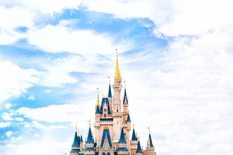 Disney suspende momentáneamente a 43 mil empleados sin derecho a sueldo