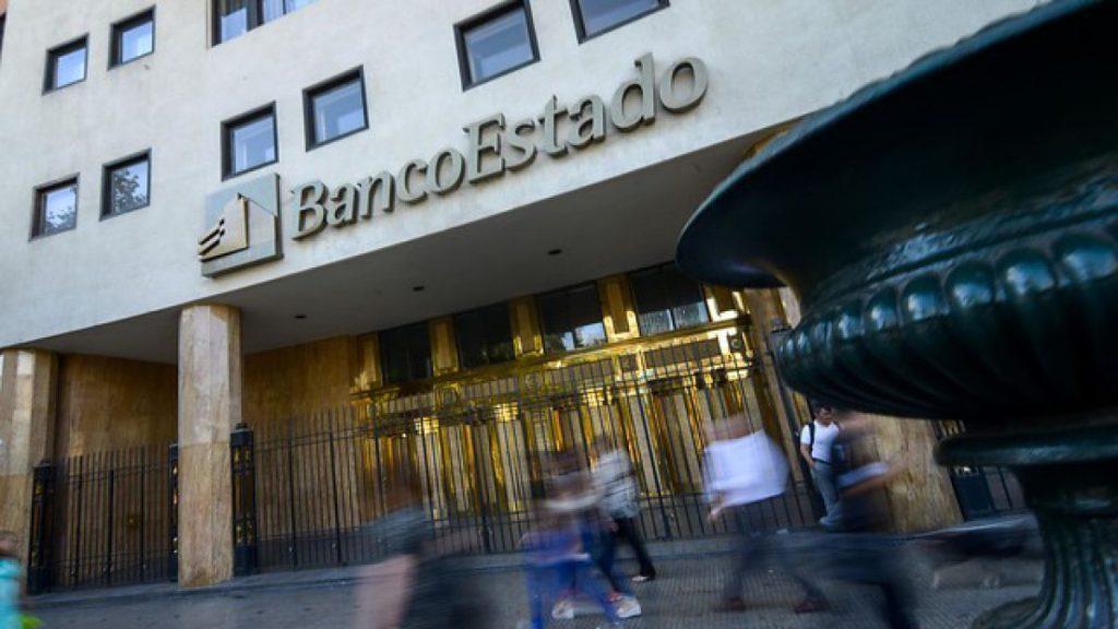 """BancoEstado apunta a típico """"error de sistema"""" cobros de deudas con bonos de emergencia"""