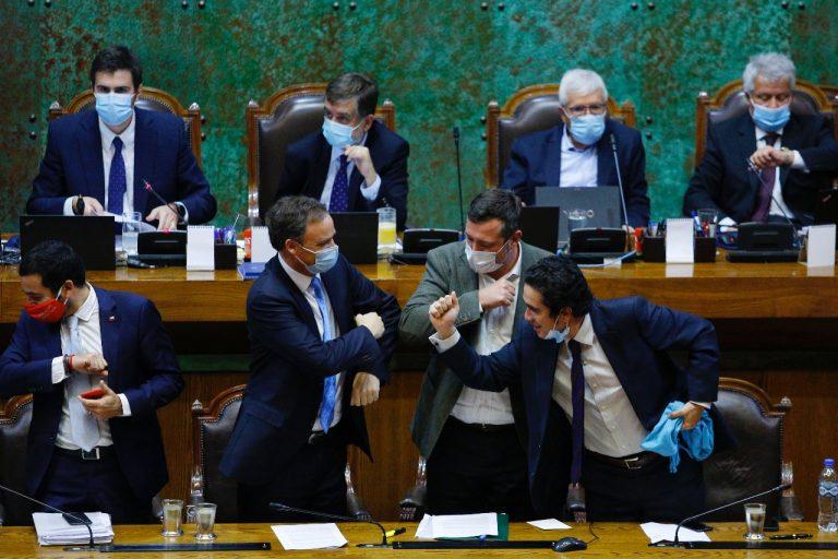 Con gran despliegue, Gobierno celebra aprobación de veto en la Cámara a proyecto IFE