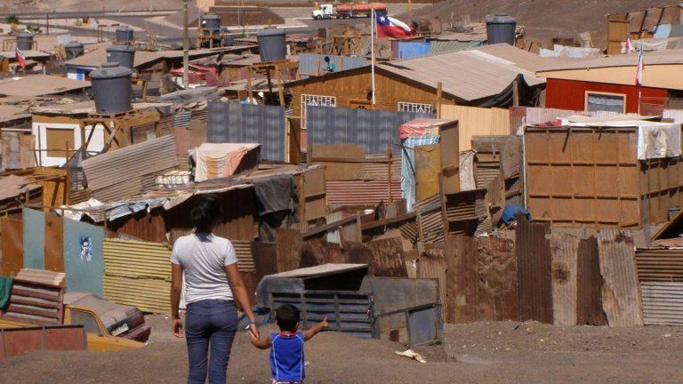 MINVU reconoce aumento de tomas a causa de la crisis económica por pandemia