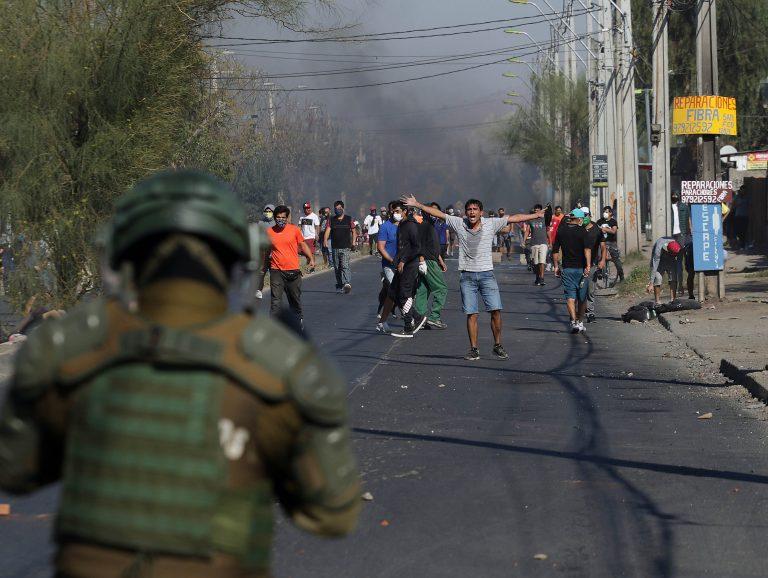 Gobierno se querella contra 15 personas tras protestas en El Bosque