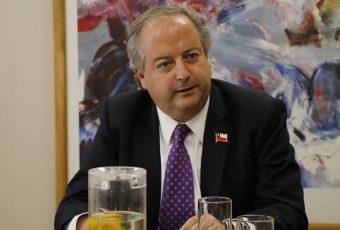 Embajador chileno en Argentina abre nueva disputa por cifras por casos de COVID-19