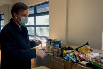 Codina pide 10 mil cajas de alimentos diarias para llegar a tiempo a 140 comprometidas por el Gobierno