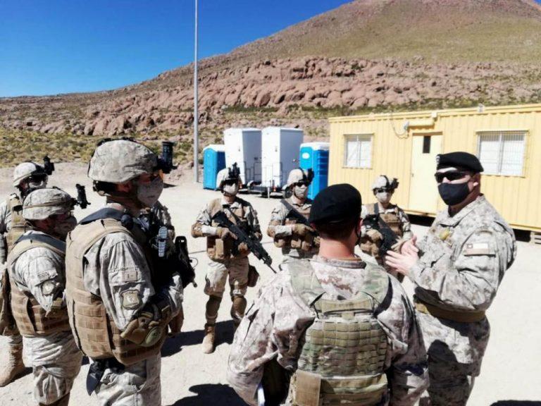 Por Coronavirus: Comandante en Jefe del Ejército revisa en terreno el despliegue de soldados en el norte del país