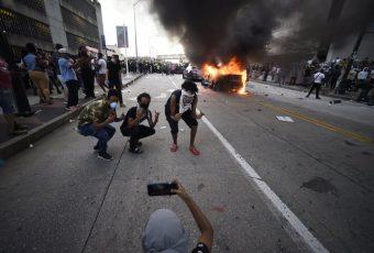 Muerte de George Floyd genera violentas protestas en varias ciudades de EEUU: Atlanta,  Phoenix, Denver, Las Vegas, Los Ángeles…