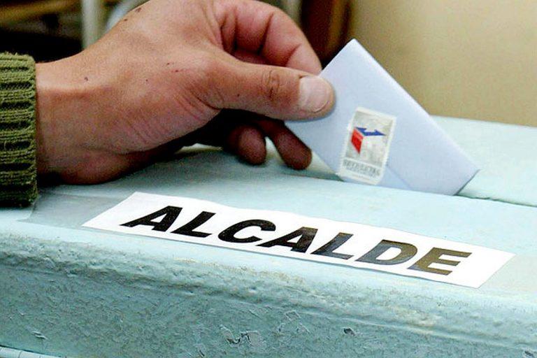 Gobierno entra en la discusión por reelección de alcaldes pero pide condiciones para un arreglo