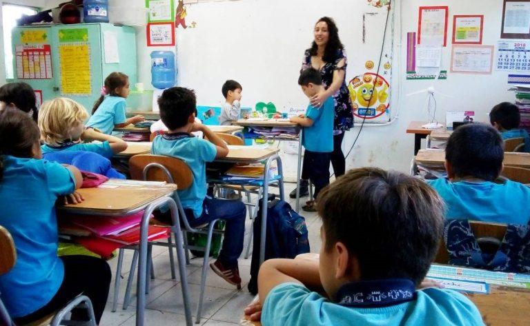 Alumnos de Rapa Nui serán los primeros en volver a clases presenciales en el país