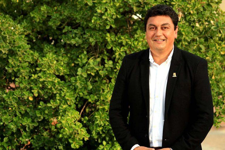 ACTUALIZADO // Ministro de Salud despeja rumor lanzado por parlamentario y confirma muerte de Alcalde de Tiltil