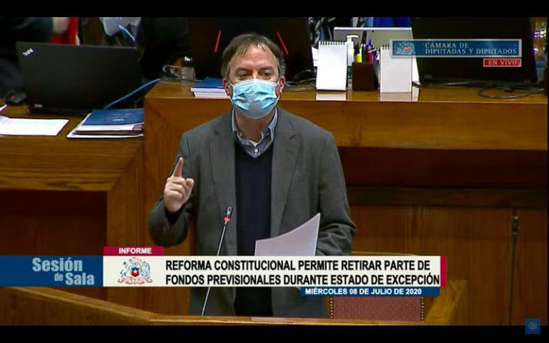 """Diputado Walker acusa a Piñera de abusar del veto para obstruir proyectos que la """"ciudadanía demanda"""""""