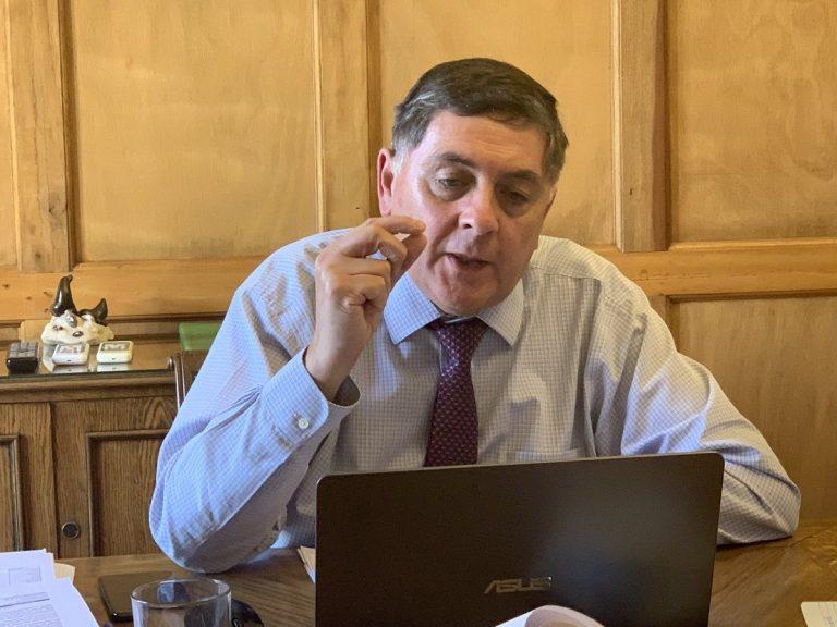 """Ministro Alvarado se sincera: """"Muchas veces las convicciones tambalean ante la popularidad"""""""