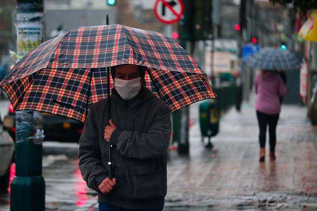 Alertan sobre nuevas precipitaciones y tormentas eléctricas desde Valparaíso hasta el Biobío