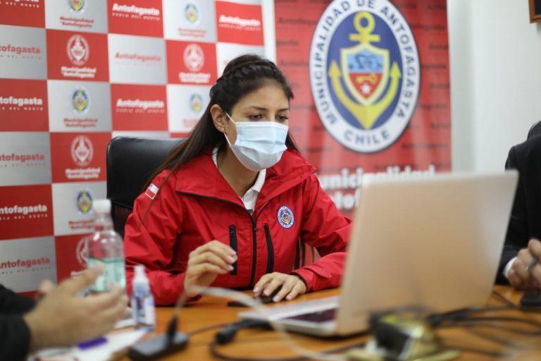 Municipalidad de Antofagasta queda acéfala: Alcaldesa Karen Rojo fue suspendida de sus funciones