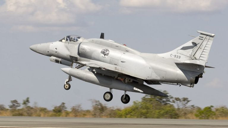 Fallece piloto argentino en accidente de avión de combate cerca de Córdoba