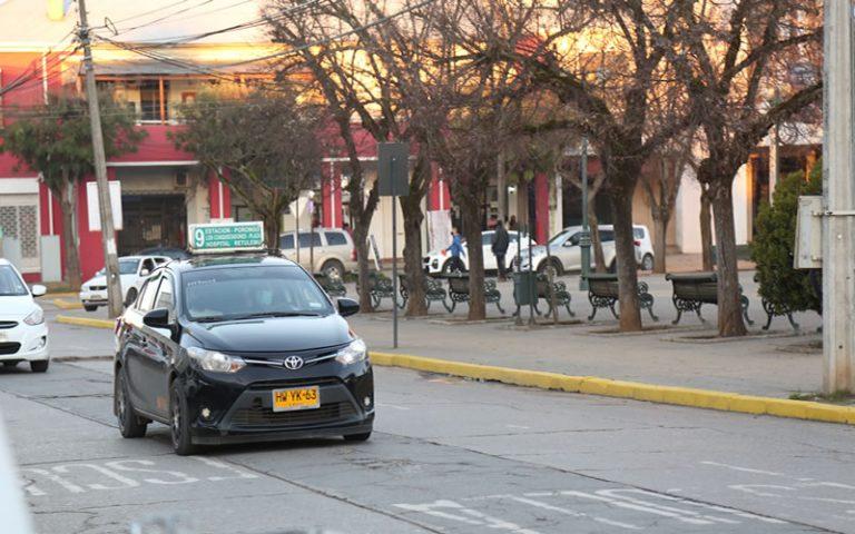 Diputados DC piden urgente bono estatal para conductores de taxis colectivos