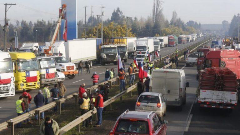 """Camioneros rechazan propuesta del Gobierno y exigen hablar directamente con el ministro del Interior: """"No estamos para migajas"""""""