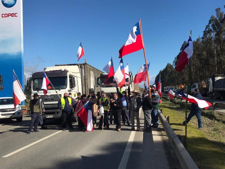 Pulso Ciudadano revela que un 44,5% de los chilenos rechaza el paro de camioneros