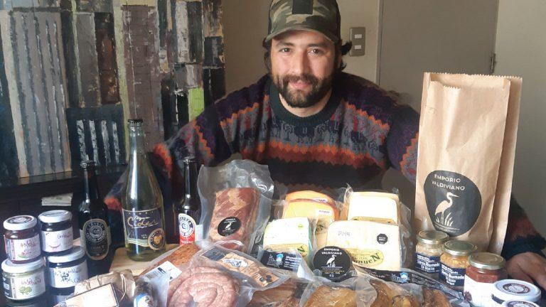 Emprendedor trae todo el sabor del sur al Gran Santiago